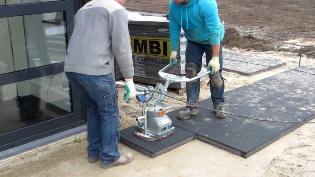 Механизированная укладка тротуарной плитки